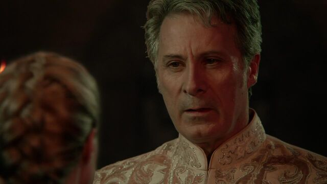 File:Once Upon a Time in Wonderland - 1x05 - Heart of Stone - Red King.jpg