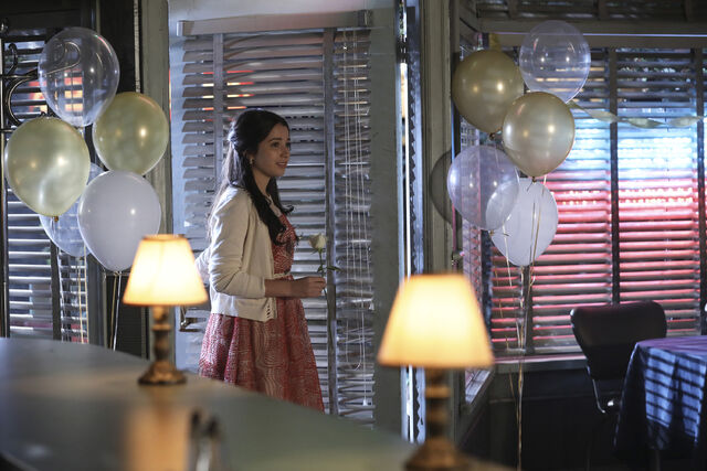 File:Once Upon a Time - 6x08 - I'll Be Your Mirror - Photography - Violet.jpg