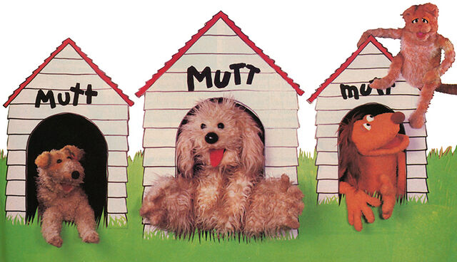 File:3 mutts and a cat in Muppet Magazine issue 8.jpg