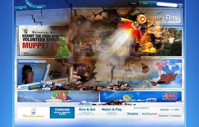 File:Disneyparksgive.com-24.jpg