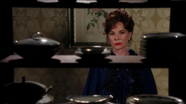 File:Once Upon a Time - 2x12 - In the Name of the Brother - Cora Snooping.jpg