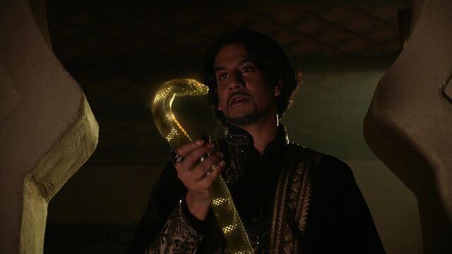 File:Once Upon a Time in Wonderland - 1x04 - The Serpent - Jafar's New Staff.jpg