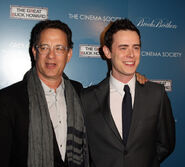 Colin Hanks with dad Tom