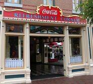 Refreshment-Corner-in-Disneyland-Main-St