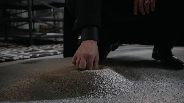 File:Once Upon a Time - 5x21 - Last Rites - Hades Ash.jpg