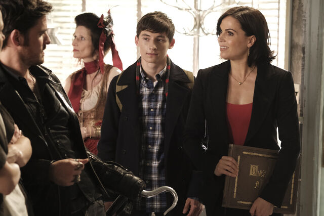 File:Once Upon a Time - 6x02 - A Bitter Draught - Publicity Images - Henry and Regina.jpg