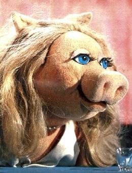File:Miss Piggy season 1.jpg