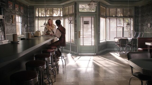 File:Once Upon a Time - 5x08 - Birth - Emma and Henry.jpg