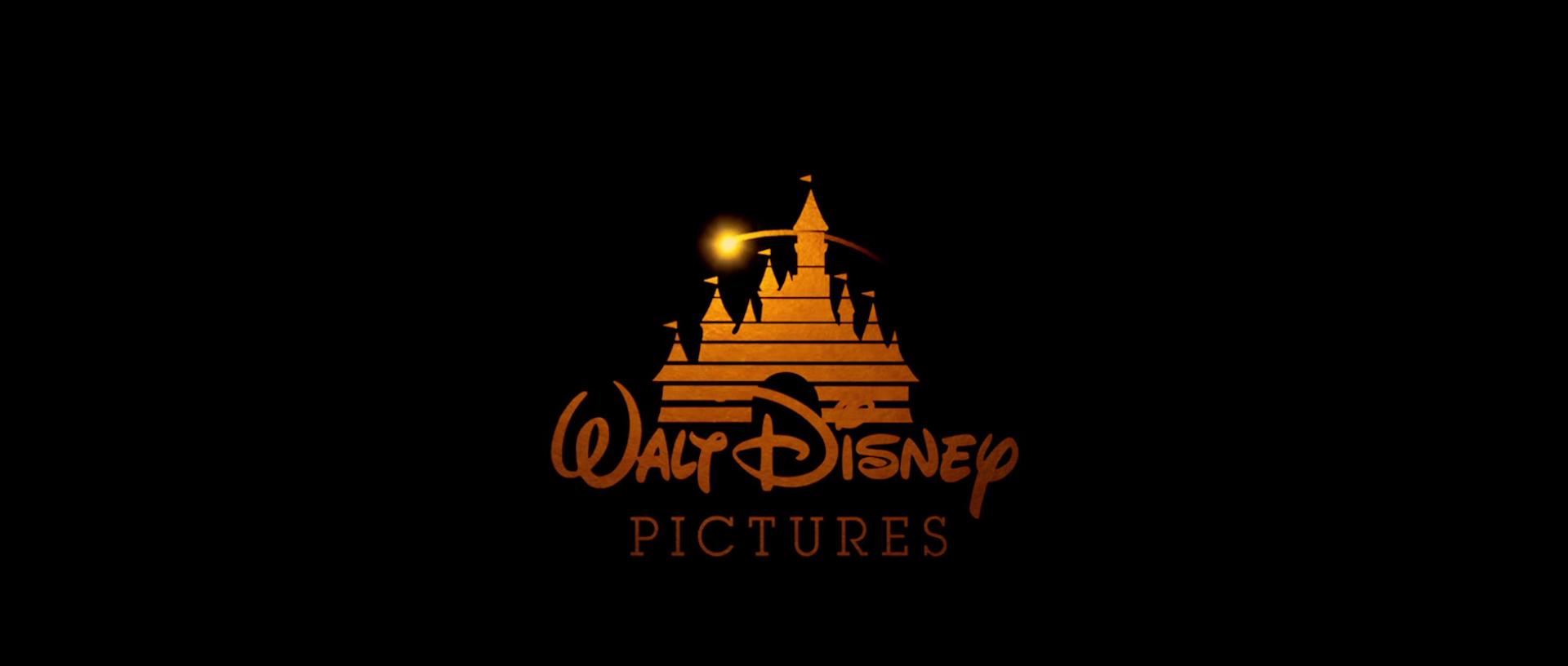 File:Walt Disney Pictures Flashlight Version (2000).png