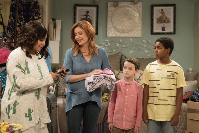 File:Raven's Home - 1x02 - Big Troube in Little Apartment - Raven, Chelsea, Levi and Booker.jpg