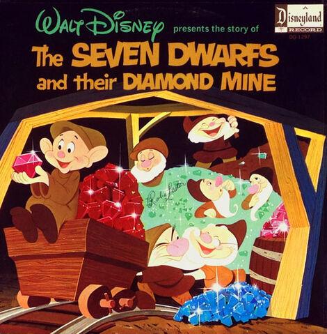 File:Diamond mine550.jpg