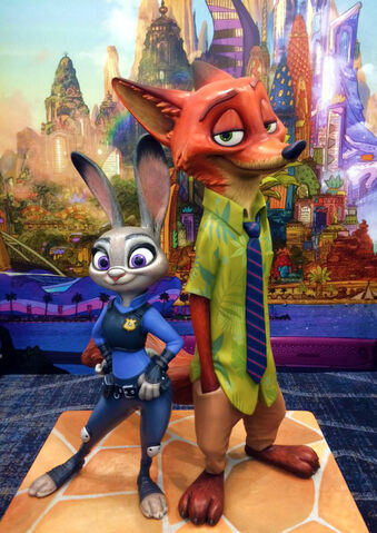 File:Judy and Nick Statue.jpg