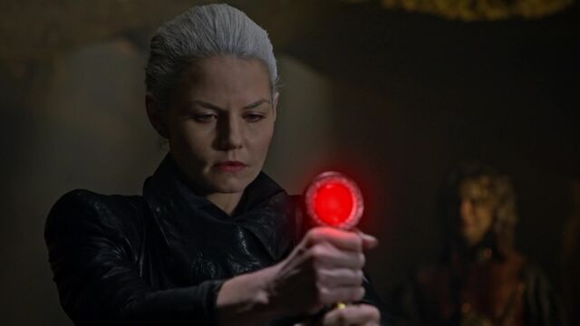 File:Once Upon a Time - 5x02 - The Price - Emma Excalibur.jpg