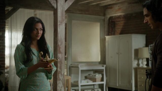 File:Once Upon a Time - 6x09 - Changelings - Jasmine with Lamp.jpg