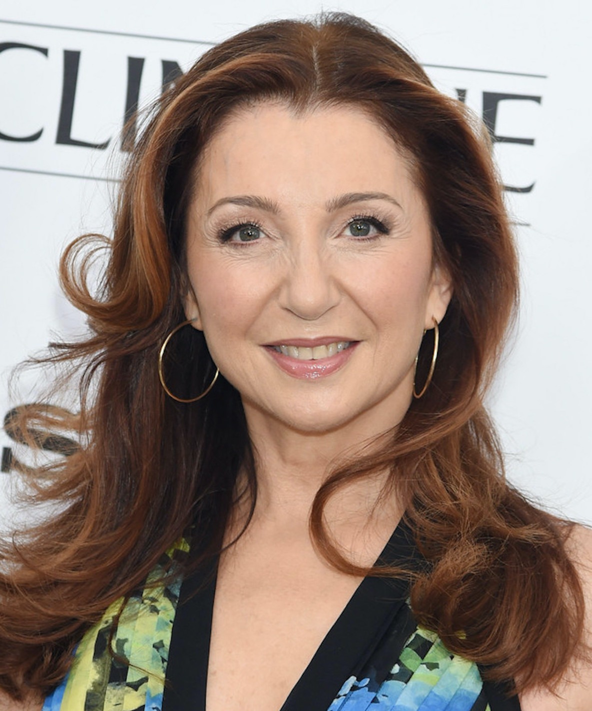 donna murphy mother knows best