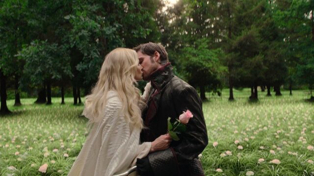 File:Once Upon a Time - 5x04 - The Broken Kingdom - Emma Hook Kiss.jpg