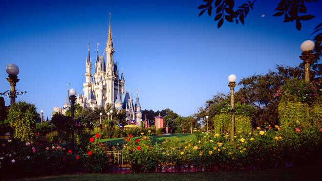 File:Cinderella-castle-00.jpg