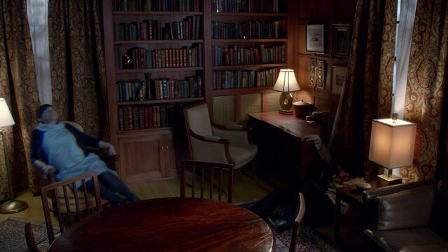 File:Once Upon a Time - 3x18 - Bleeding Through - Mary Margaret Possessed.jpg