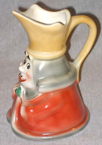 File:Regal king of hearts pitcher handle 640.jpg