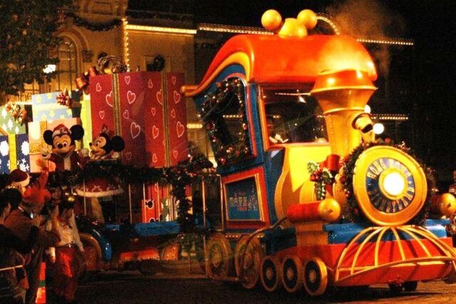 File:Christmas Express 2010 HKDL.jpg