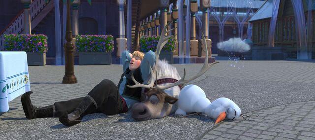File:Frozen-fever-disneyscreencaps com-290.jpg