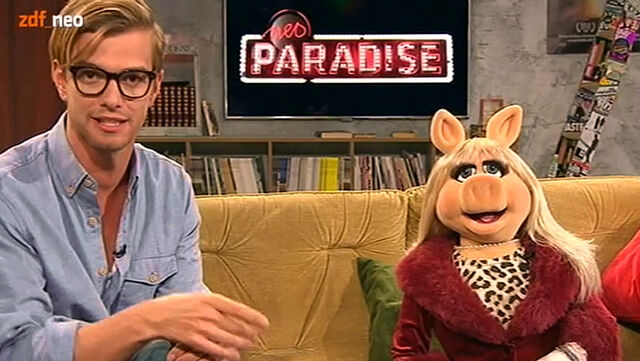 File:NeoParadise-JokoWinterscheidt&Piggy-(2012-01-26).jpg