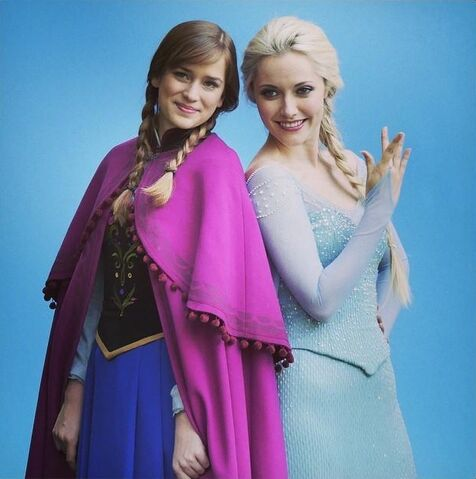 File:Once Upon a Time - Season 4 - Photoshoot - Anna and Elsa 4.jpg