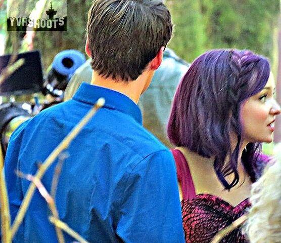 File:Mal & Ben (dream scene?).jpg