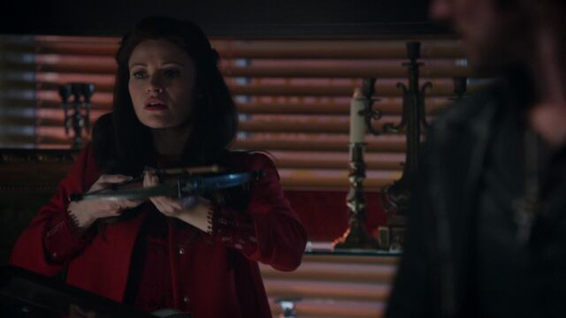 File:Once Upon a Time - 5x08 - Birth - Belle and Crossbow.jpg