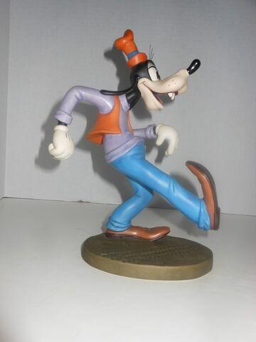 File:Goofy figure.JPG