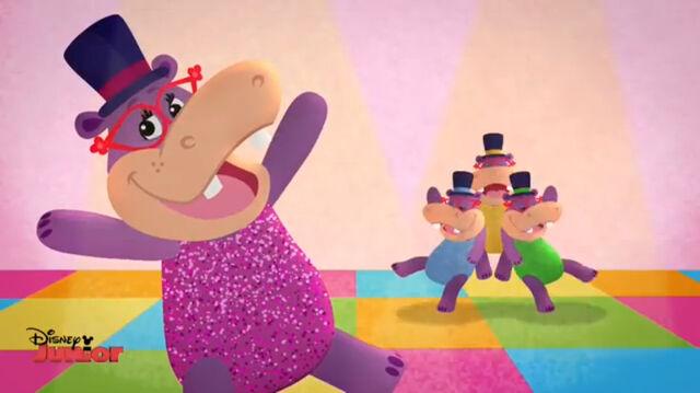 File:Animated hallie at disco.jpg