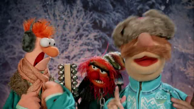 File:GagaMuppets-DeckTheHalls.png