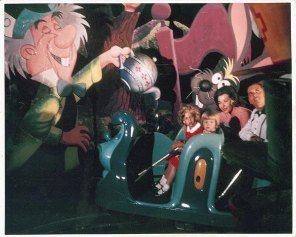 File:Original Alice in Wonderland Attraction 7.jpg