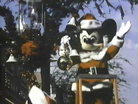 File:A-disney-christmas-gift-mai.jpg