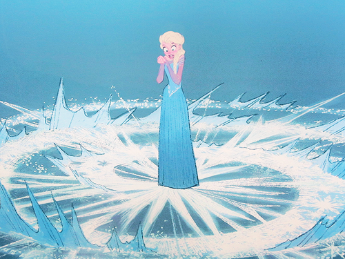 File:Elsa discovers her powers.png
