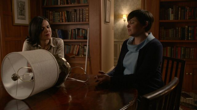 File:Once Upon a Time - 3x18 - Bleeding Through - Regina and Mary Margaret 2.jpg