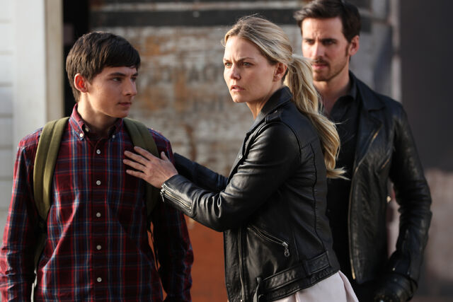 File:Once Upon a Time - 6x03 - The Other Shoe - Photography - Henry and Emma.jpg