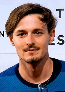 File:Giles Matthey (cropped).jpg
