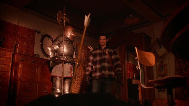 File:Once Upon a Time - 5x17 - Her Handsome Hero - Gaston Arrow.jpg