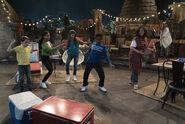 Raven's Home - 1x01 - Baxter's Back - Dancing