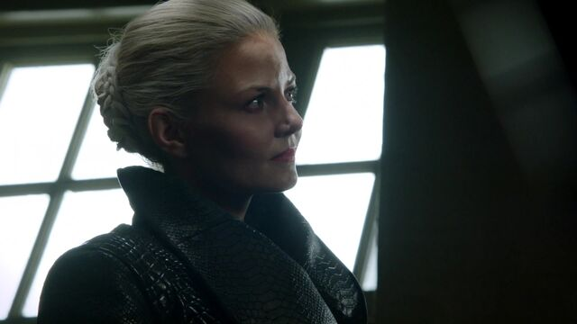 File:Once Upon a Time - 5x03 - Siege Perilous - Dark Swan.jpg