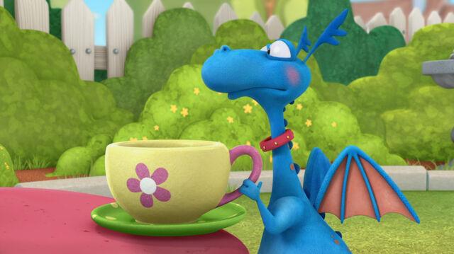 File:Stuffy teacup.jpg