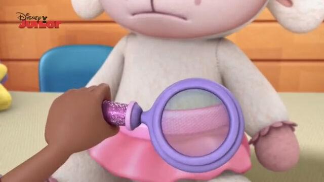 File:Close up shot lambie's tutu.jpg