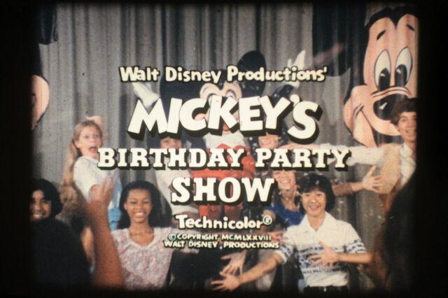 File:MickeyTrailer3.jpg
