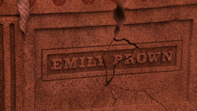 File:Once Upon a Time - 5x18 - Ruby Slippers - Cracked Grave.jpg