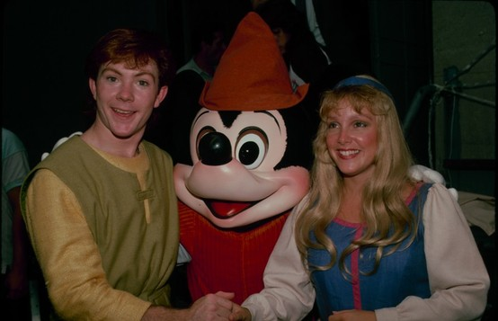 File:Taran and Eilonwy Disney Parks.jpg
