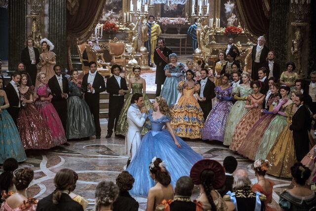 File:Cinderella 2015 22.jpg