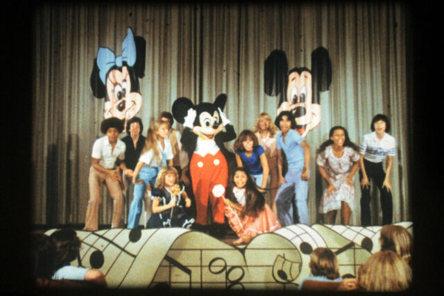 File:MickeyTrailer1.jpg