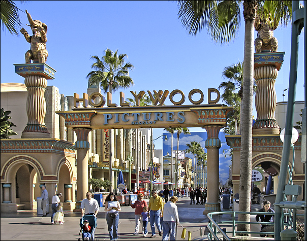 File:Hollywood Pictures Backlot at DCA.jpg