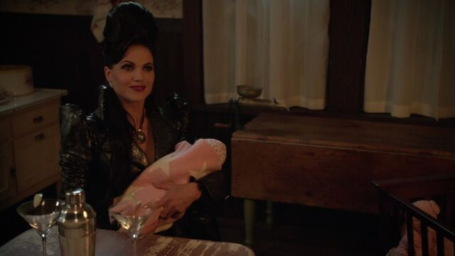 File:Once Upon a Time - 6x02 - A Bitter Draught - Evil Queen with Robin.jpg